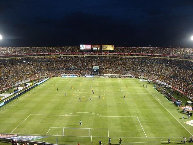 サッカー場 イメージ
