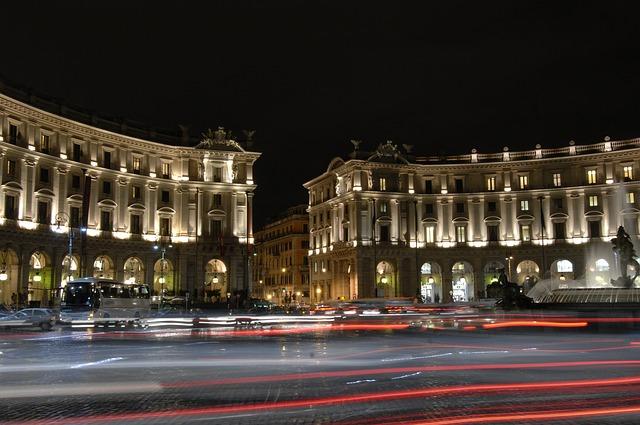 ローマの夜景 レプブリカ広場