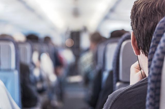イタリアまで飛んでいる航空会社